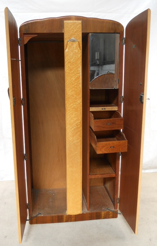 Wood Dressers And Chests